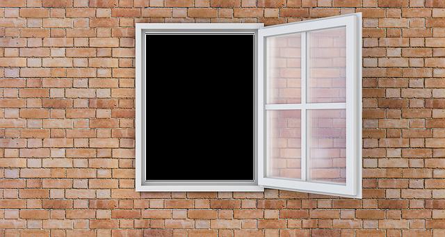 Múr a otvorené okno dokorán.png
